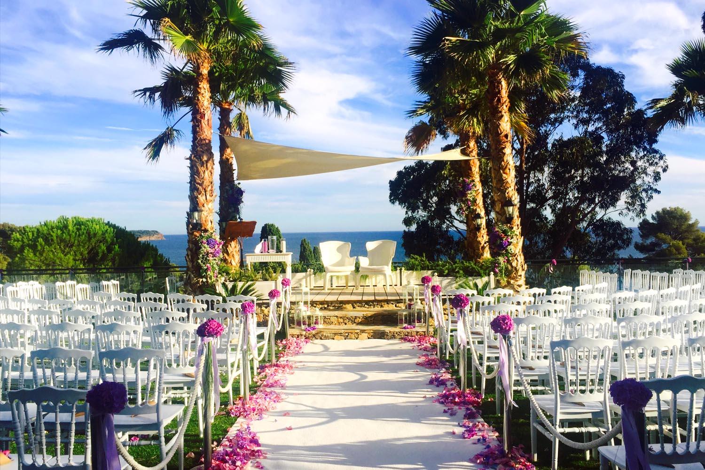 dj mariage au platines salle de mariage en mode soire dansante - Les Pins Penchs Mariage
