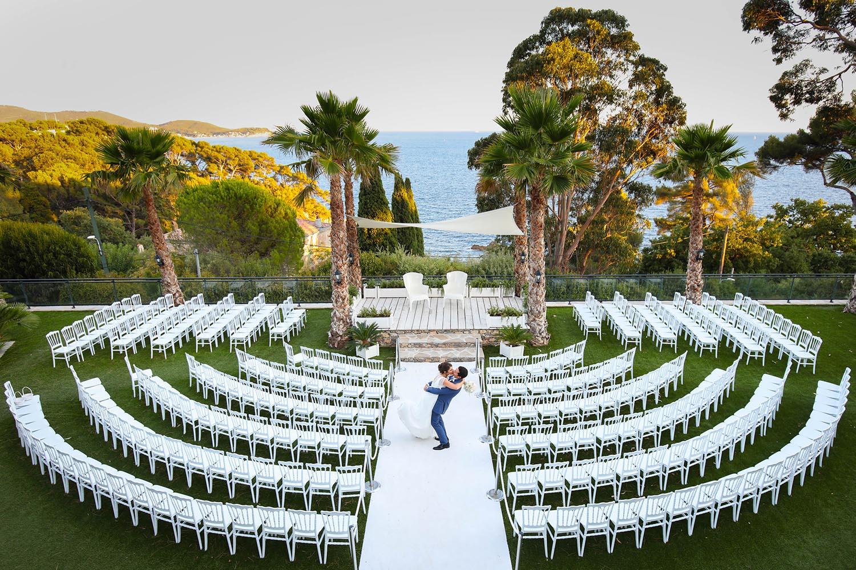 mariage aux pins penchs chateau avec crmonie extrieur face la mer - Les Pins Penchs Mariage